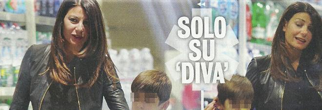 Ilaria D'Amico famiglia allargata Fa la spesa con i figli di Gigi Buffon