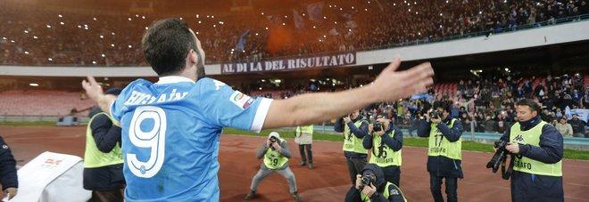 MOSTRUOSI   Napoli sempre più capolista: 3-1 al Sassuolo, super-Higuain.