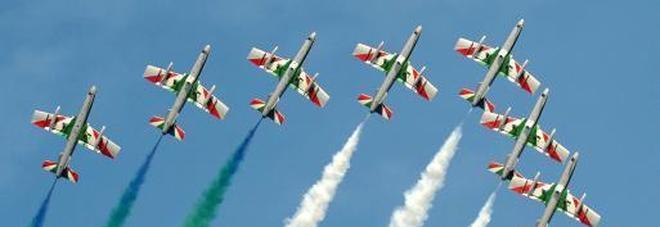 Frecce tricolori, il primo fan club d'Italia festeggia con la pattuglia acrobatica