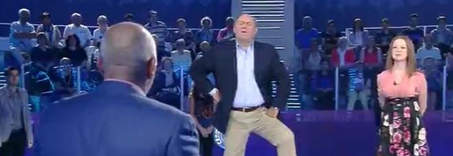'Caduta libera', l'ospite di Gerry Scotti non è un concorrente qualsiasi: ecco perché