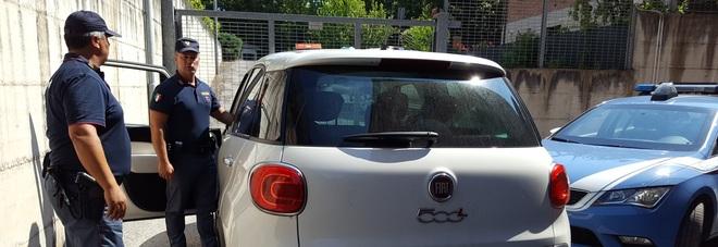 Fano, truffato il rivenditore: falsi o rubati auto, targa e documenti