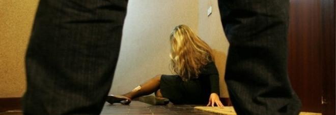 Ignora il divieto e continua a vessare  l'ex con minacce e abusi: arrestato