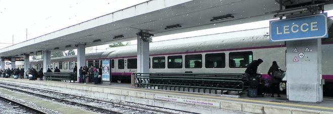Treni e bus, Basso Salento isolato. E' caos nei trasporti, in campo il prefetto