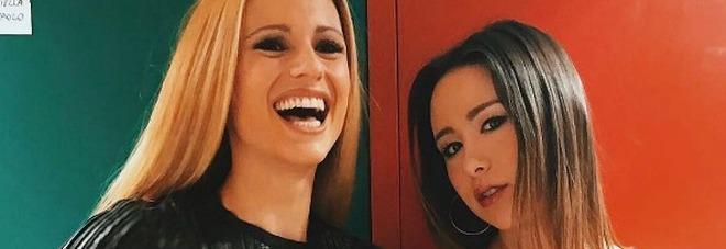 """Michelle e Aurora, mamma e figlia a confronto su Instagram: """"Siete bellissime""""/Guarda"""