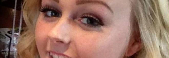 """Uccisa a 16 anni dalla pillola anticoncezionale: """"Colpa di un raro effetto collaterale"""" -Foto"""
