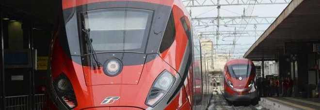 Treni, il Frecciarossa Roma-Milano aumenta del 3,5%. Rincari anche per autostrade e aerei