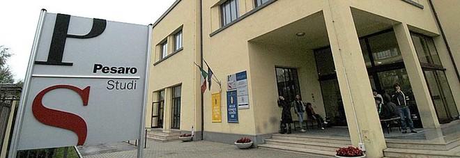 Irruzione dei ladri a Pesaro Studi Ma sono più i danni del bottino