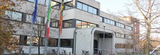 Blitz notturno all'istituto Foscari:  tre minori devastano la scuola