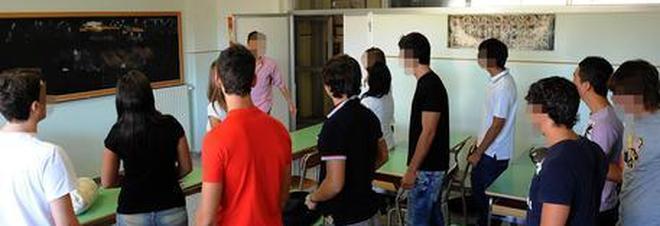 """Prof di ruolo a scuola solo un giorno: il """"giochetto"""" esaspera la preside"""