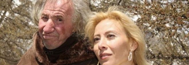 Sposa il milionario più vecchio di 25 anni, alla sua morte la sorpresa