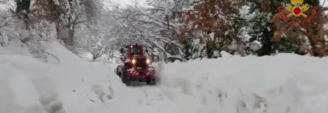La neve ad Acquasanta (Centro documentazione vigili del fuoco)