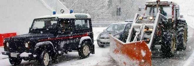 Deve essere ricoverata d'urgenza ma la neve blocca l'ambulanza