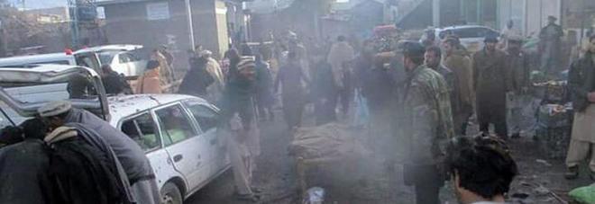 Pakistan, bomba nel mercato: almeno 25 morti, 70 feriti