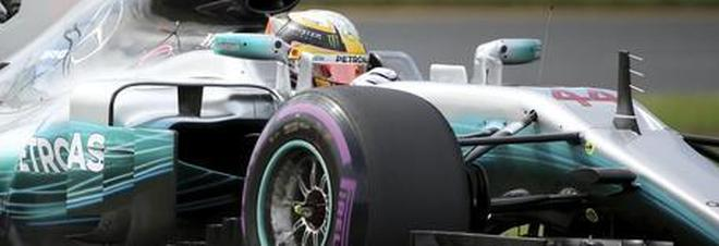 Hamilton conquista la pole position. Vettel secondo