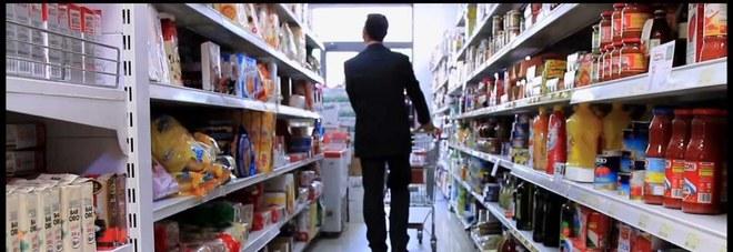 """In centro storico un supermercato  """"in nero"""": evasione per 6 milioni"""