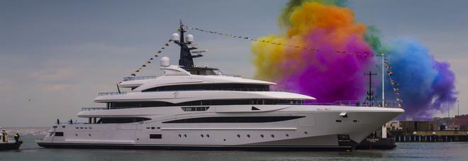 Varato il nuovo superyacht di Crn Uno spettacolo lungo 74 metri