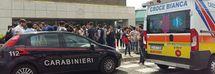 Choc all'Università: studente si lancia dal terzo piano davanti ai compagni
