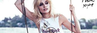 Fiori tattoo per la maglietta dell'Hard Rock Cafè firmata da Pixie Lott