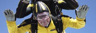 Paracadutista a 101 anni: il record del mondo del veterano dello sbarco in Normandia