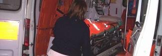 Infarto in ambulanza, ma non c'è il medico: muore donna di 45 anni