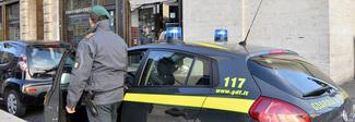Schede telefoniche intestate a persone decedute e vendute ai criminali: 12 denunciati