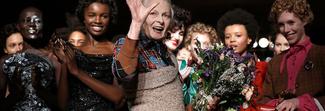 Vivienne Westwood lascia Milano e volta pagina: uomo e donna sfilano insieme a Londra