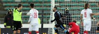 Finisce 1-1 l'anticipo tra Bari e Spal Antenucci e Maniero a segno su rigore