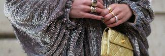 Capodanno nel segno del metallic: le idee outfit per l'ultimo dell'anno