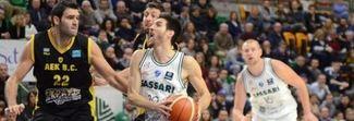 Basket, caos a fine match: i tifosi si scagliano contro un giocatore greco. Il Sassari rischia la squalifica del campo