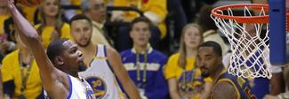Durant e Curry da sogno, gara 1 ai Warriors. Lebron non basta ai Cavs, finisce 113-91
