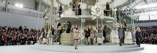 Chanel, quando la sfilata è uno spettacolo tra aeroporti e foreste tropicali
