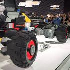 Batmobile in Lego realizzata con 344mila mattoncini e lunga 5,2 metri svelata a Detroit