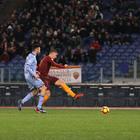 Roma, il poker vale i quarti Samp ko 4-0. Super Nainggolan