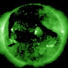 «Il Sole è agitato», in corso forte tempesta magnetica: cielo verde e disturbi alle comunicazioni