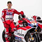 I due piloti Ducati per la MotoGP 2017 con la nuova DesmosediciGP17: Jorge Lorenzo (a sinistra) e Andrea Dovizioso