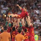 Roma-Genoa 3-2 al cardiopalma tutto l'Olimpico in lacrime per Totti