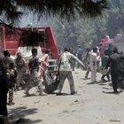 Afghanistan, kamikaze fa strage davanti alla banca: 29 morti e decine di feriti
