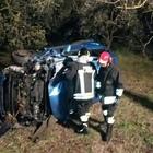Auto ribaltata in un fosso a Borgo Podgora, una ragazza grave