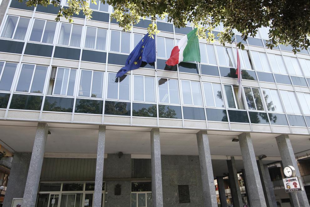 Affaire rifiuti, blitz a Caserta: perquisiti gli uffici del Comune