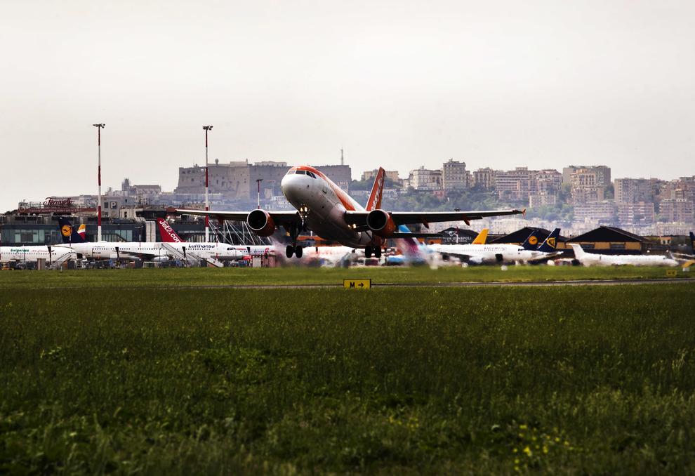 Italia, cresce il traffico aereo: a Capodichino più 10 per cento