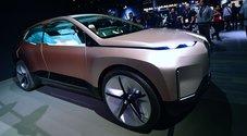 BMW si prende la scena del LA Auto Show con inedito concept Inext. Un Suv EV a guida autonoma elegante e spazioso