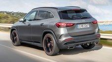 Mercedes GLA, il nuovo crossover sportivo: più corta e più alta. Sarà anche plug-in con 70 km a zero emissioni