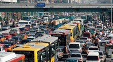 Mercato auto, la Cina va in rosso: vendite di auto giù del 2,8% nel 2018. Primo calo dal 1990