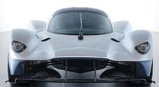 """Aston Martin Valkyrie, l'hypercar da 1.130 cv è pronta a sfidare le stradali """"più spinte"""""""
