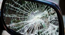 I carabinieri sono risaliti al suv del 60enne grazie ai frammenti dello specchietto retrovisore rimasti sull'asfalto