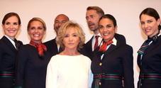 Nuove divise con frescolana blu, seta e cinture tricolori: Ferretti firma Alitalia