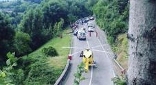 Auto esce di strada a un rally nel Bresciano: morto commissario gara