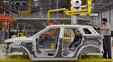 Brexit, in GB nel 2019 cala produzione auto a 1,3 milioni -14%. Crisi per filiera che occupa 447mila lavoratori