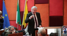 Comune di Napoli a rischio dissesto: il bilancio bocciato dai revisori