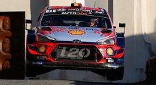 WRC, al Tour de Corse trionfa Neuville (Hyundai) che diventa leader. Ogier (Ford) beffato da una foratura